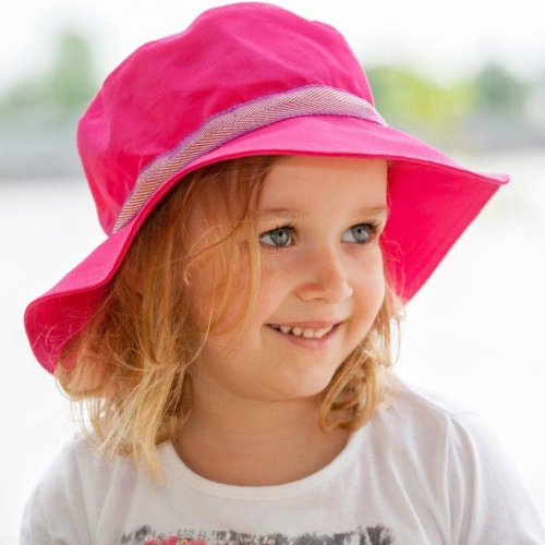 Broad-brimmed Sun Hat with UV protection
