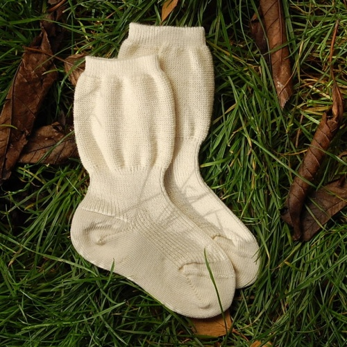 Top 5 Best Winter Socks for Babies | Reviews. Babies are very sensitive. Their skin is very delicate, sensitive and very much prone to too much heat and too much cold. And the easiest part of the body that goes cold are the fingers and the toes.