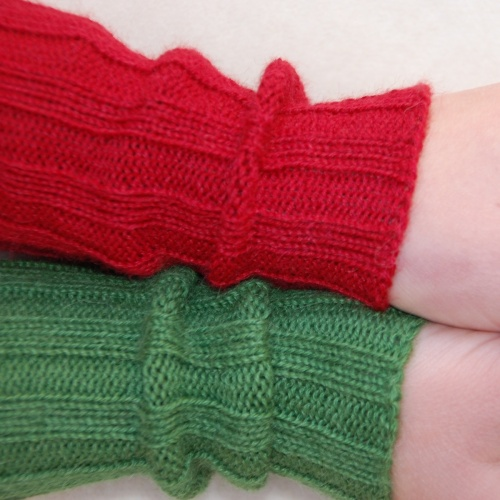 Children's Ribbed Wristwarmers in Pure Baby-Alpaca